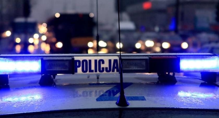 Bezpieczeństwo, Zaatakowali klientów sklepu innej dzielnicy - zdjęcie, fotografia