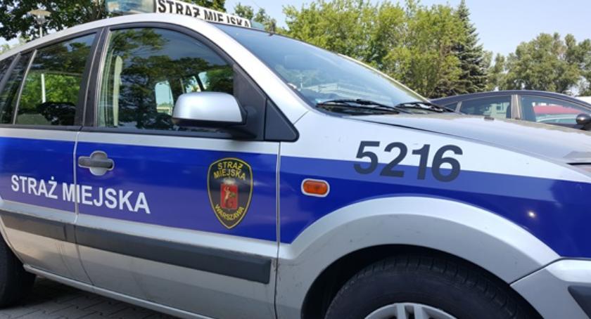 Bezpieczeństwo, Pobity przez strażników czynna napaść funkcjonariuszy straży miejskiej - zdjęcie, fotografia