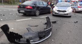 Wtorkowy poranek na Fieldorfa - zderzenie dwóch aut na zdjęciach strażaków